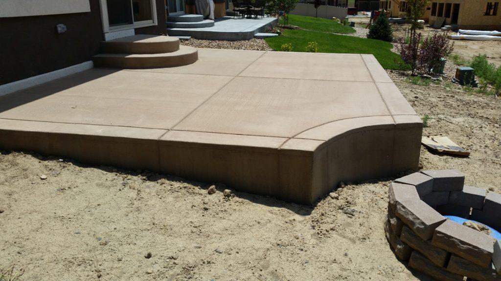 Patio Broom Finish Color Concrete3